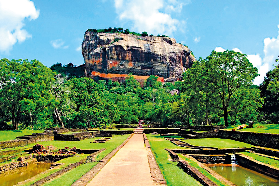 Sigiriya_In_Sri_Lanka-1024x651-1