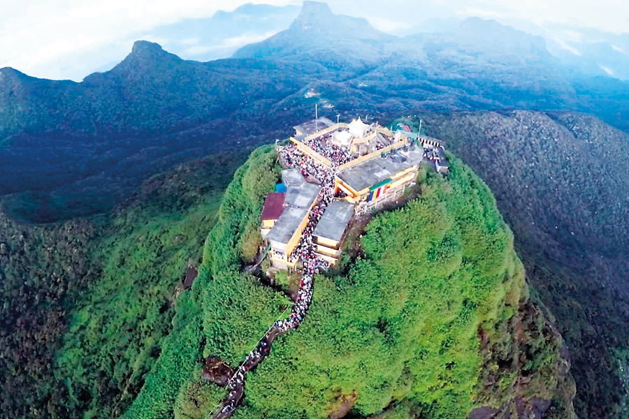 Adams-Peak-Sri-Lanka