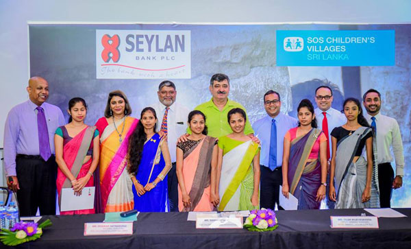 Back-line-from-right-Gamika,Jayantha,Tilan,Sidhartha,Diwakar,Shuba-Moorthy-&Jayanath-and-front-line-youths-of-SOS-Children's-Villages-Sri-Lanka