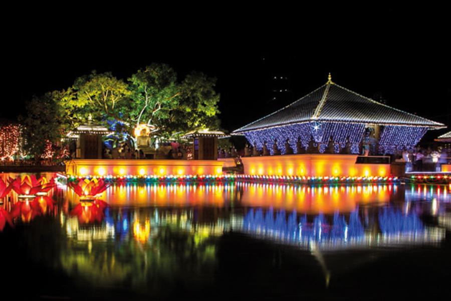 Vesak-temple-lit-up