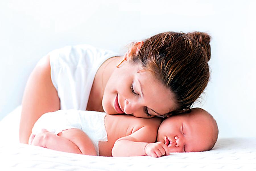mom-baby-white-background
